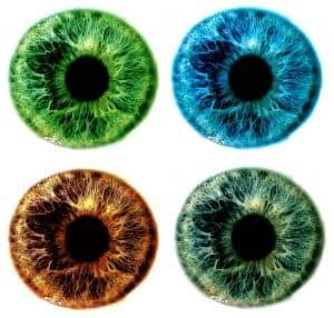 Värillisillä linsseillä voit muuttaa tai korostaa silmiesi väriä.