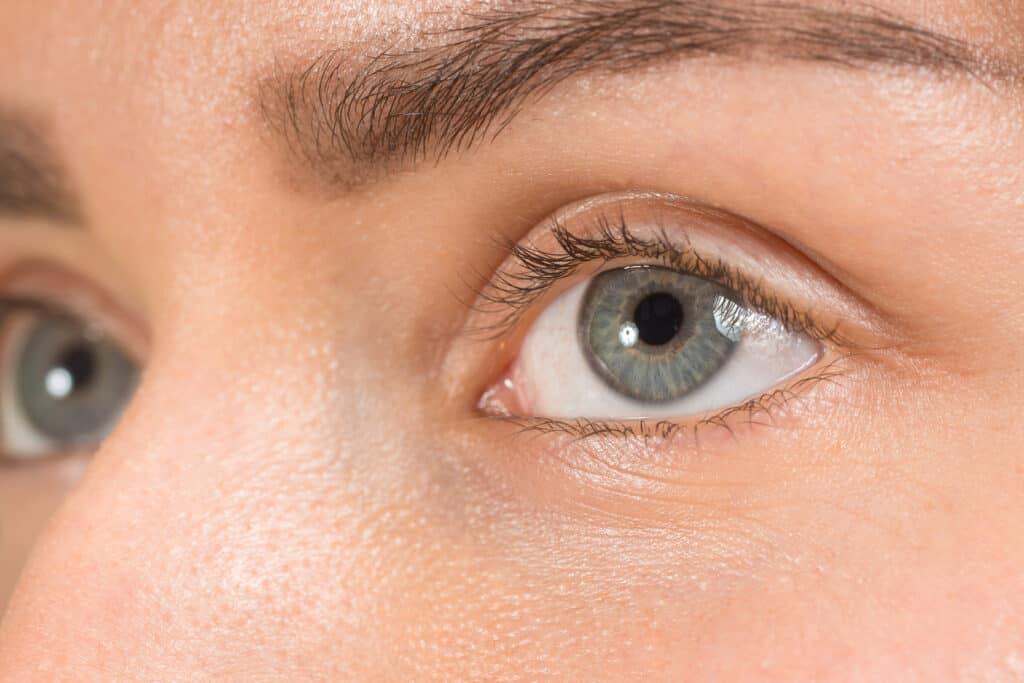 Harmaat silmät