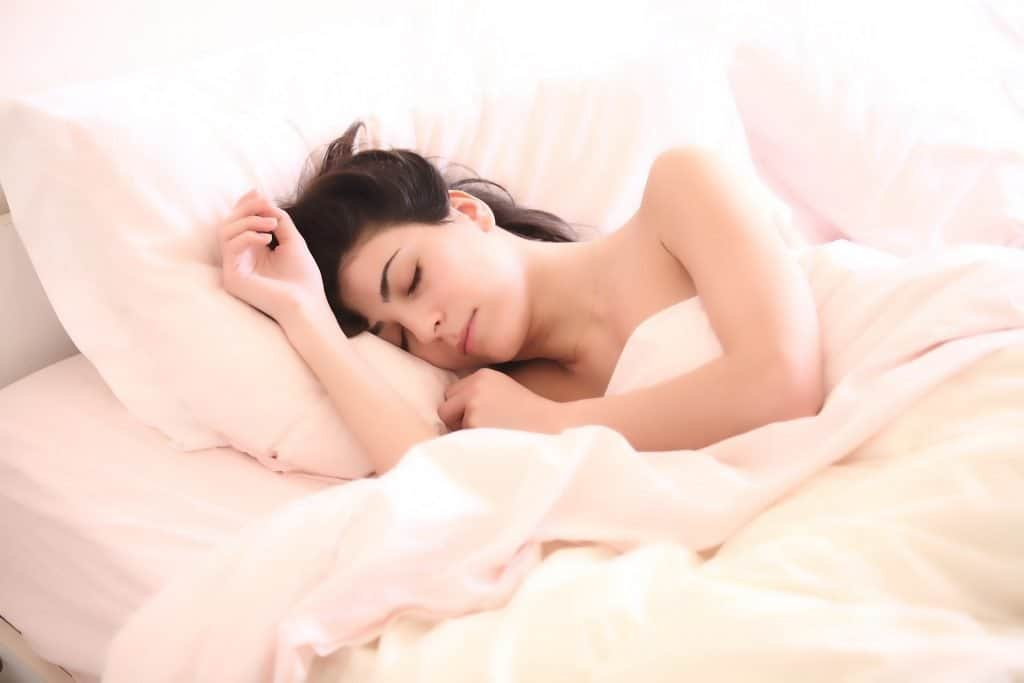 Nukkuva nainen