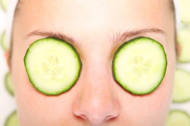 Silmien turvotus ja sen hoito kotikonstein