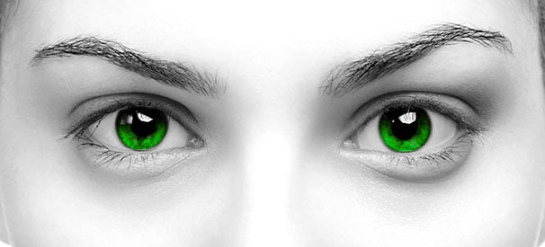 Värilliset piilolinssit ja hajataitto